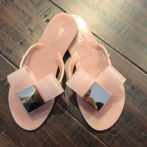 Mini Melissa nude flip flops